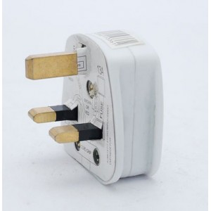 Status 13A Plug White